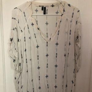 Short sleeved tunic blouse